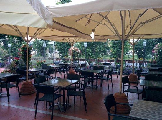 Silla Hotel: Breakfast Terrace