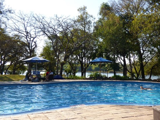 A'Zambezi River Lodge: Pool area