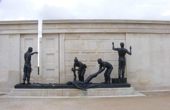 National Memorial Arboretum : memorial detail