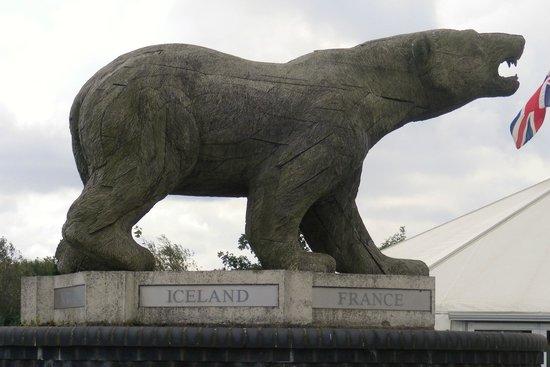 National Memorial Arboretum : regimental mascot