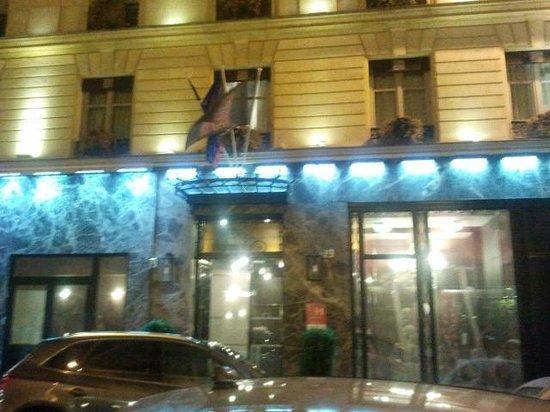 Grand Hotel Saint-Michel: Hotel entrance
