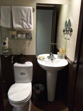 Essence Hanoi Hotel & Spa: Deluxe room A36