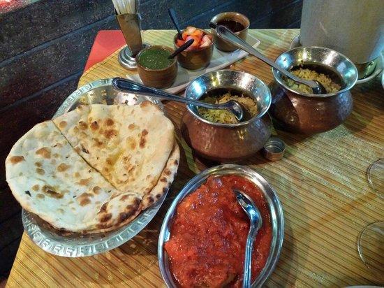 Gateway of India: Chiken tikka massala, riz et cheese nan....délicieux