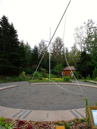 Jardins de Doris : Un cadran solaire