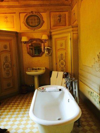 Villa il Poggiale Dimora Storica : bagno della stanza