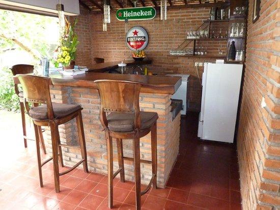 Joglo Restaurant & Bar: bar for pre dinner drinks