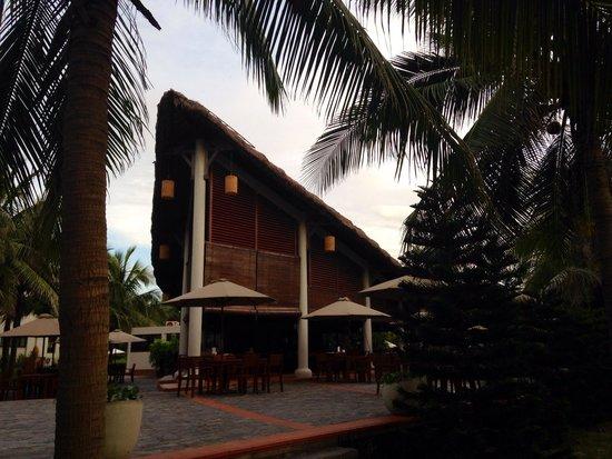 Palm Garden Beach Resort & Spa : Restaurant at the beach