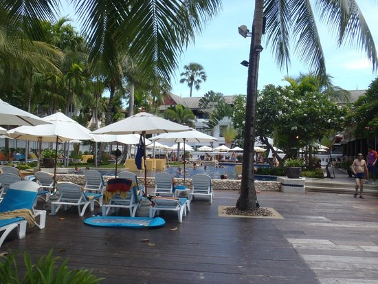 Novotel Samui Resort Chaweng Beach Kandaburi : 海側プール
