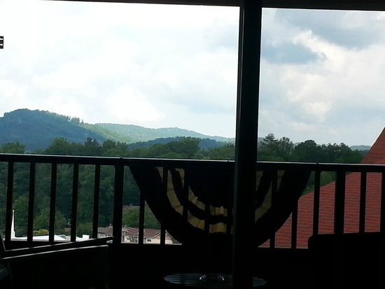 Holiday Inn Club Vacations Smoky Mountain Resort: 9th floor view
