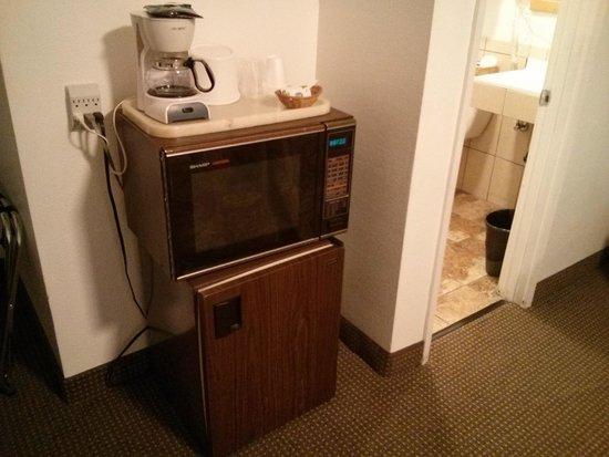 Timberline Motel : refrigerator/Microwave