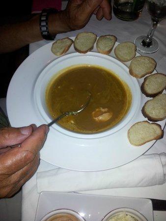 Hotel Sarimanok : Soupe de poisson