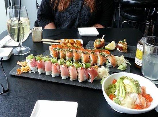 Sticks n Sushi: Makimenu og lækre kammuslinger!