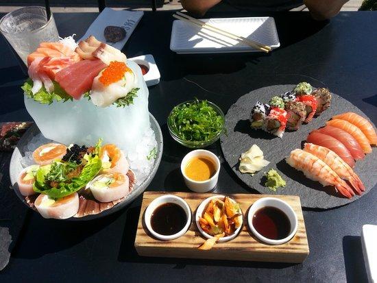 Sticks n Sushi: Sashimi menu og lidt til