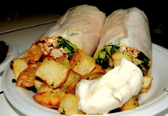 Le COQ Lebanese Health Food: Chicken wrap
