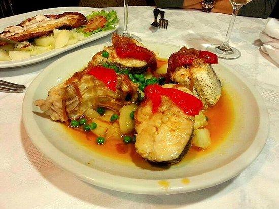 Restaurante O'desvio: Merluza a la gallega