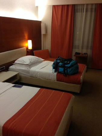 Radisson Blu Conference & Airport Hotel: twin bed room