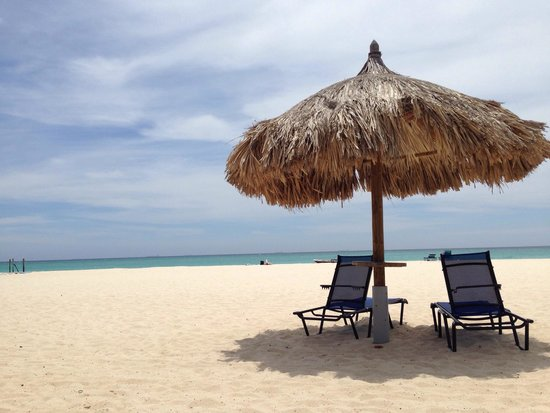 Divi Village Golf and Beach Resort: Divi Beach - plentiful beach chairs and cabanas