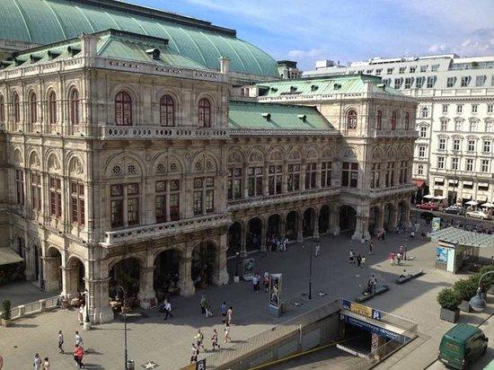 Hotel Bristol Wien: The opera house