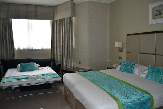 Edinburgh City Hotel: Habitación triple con cama supletoria