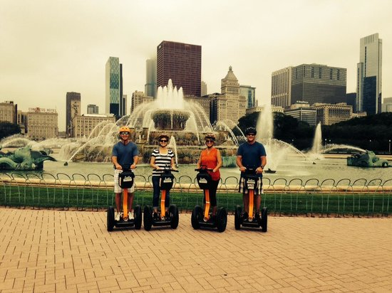Absolutely Chicago Segway Tours: Buckingham Fountain