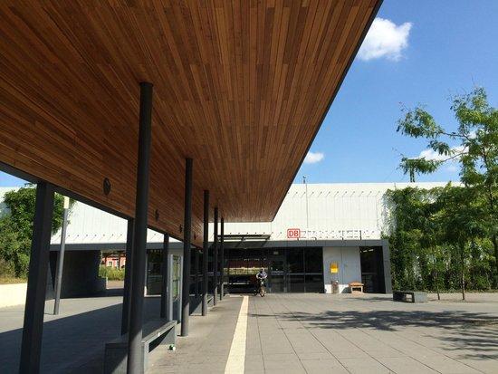 Bauhaus Dessau Foundation: Dessau Hbf