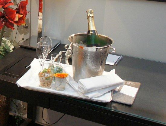 Le Meridien Stuttgart: Anniversary gift from hotel