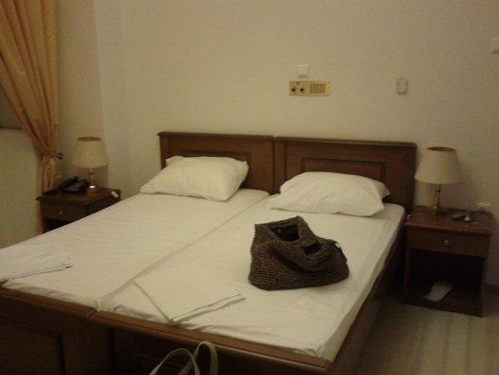 Halaris Hotel