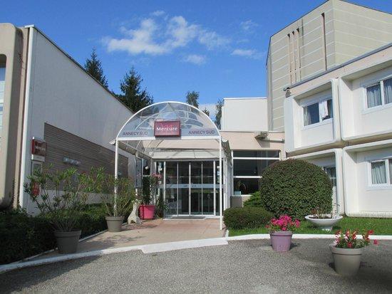 Mercure Annecy Sud: Entrance
