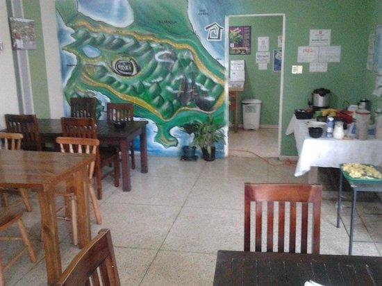 Casa Yoses Hostel: Dining Room