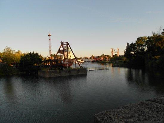 Parque Isla Magica : plan d'eau