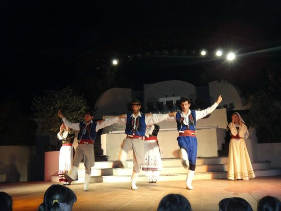 Grecotel Creta Palace Hotel : Evening show. Cretan wedding.