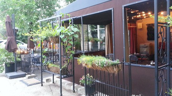 Preservation Bread and Wine: Outside seating