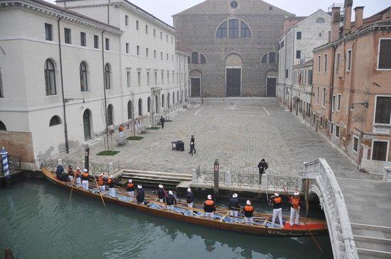 Al Bailo di Venezia : Вид на площадь из номера