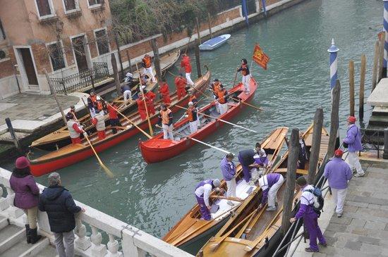 Al Bailo di Venezia : Вид из номера на канал