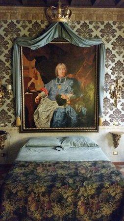 Antica Dimora delle Cinque Lune : Our Bedroom