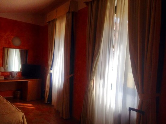 Hotel Roma Prague: camera
