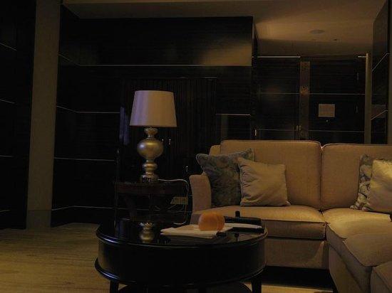 WH Ming Hotel Shanghai: Grand Lake View Studio