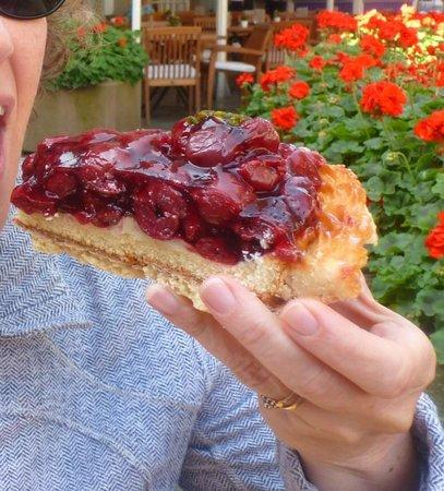 Cafe Reichard: Cherry Custard pie