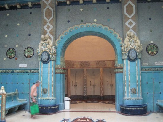 Gellert Spa: One of the men's bath