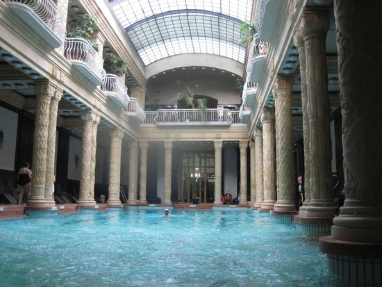 Gellert Spa : Main pool