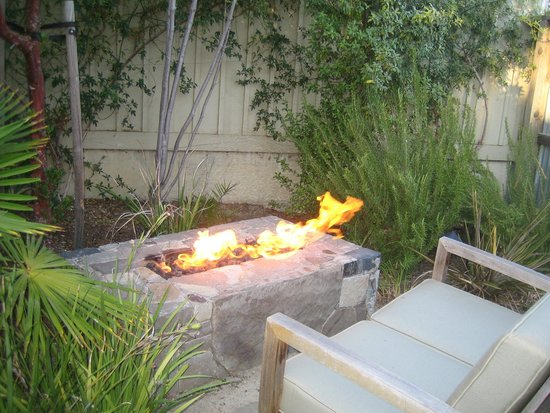 Carneros Resort and Spa: fab fire pit