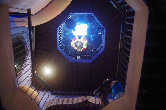 Aladdin Restaurant : La très belle cage d'escalier