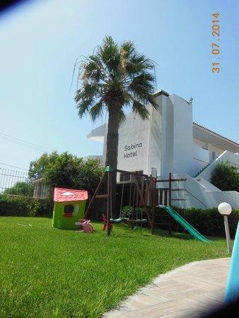 Sabina Hotel : со стороны бассейна