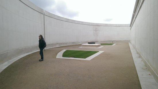 National Memorial Arboretum : remembeance wall