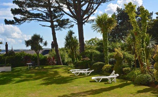 The Park Hotel Tenby: Hotel gardens