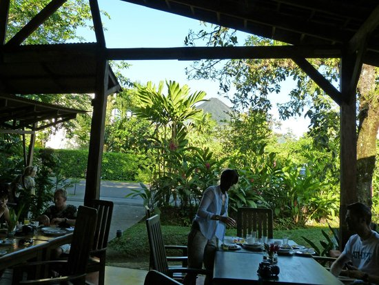 Casa Luna Hotel & Spa : le restaurant avec vue sur le volcan