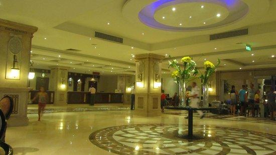 Tirana Aqua Park Resort: recepcja