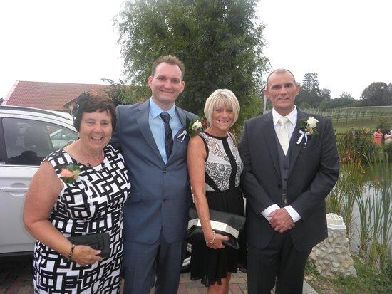 Berenyi Fogado : Monika & David's wedding
