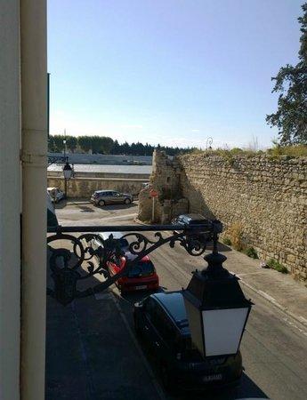 Hotel Acacias : interno delle vecchie mura della città