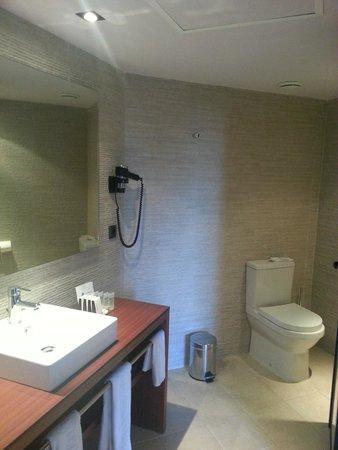 Protur Turo Pins Hotel & Spa: grosses, modernes Bad
